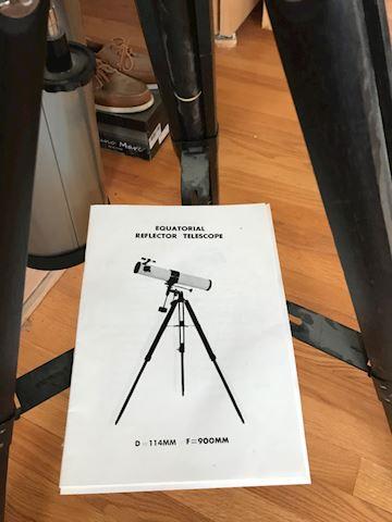 Equatorial reflector telescope