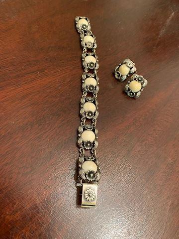 JW  109  Sterling Silver Bracelet & Earrings set