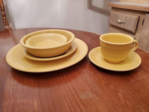 Yellow Fiesta ware 6 piece place setting