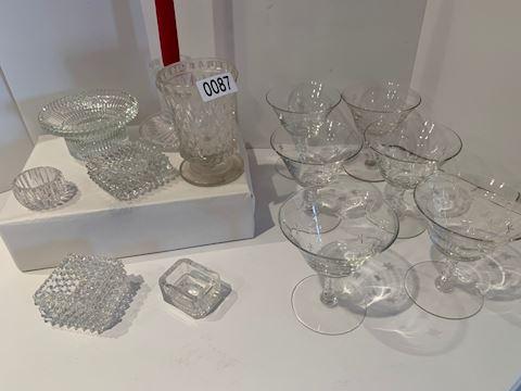Lot 0087 Hobnail glass and dessert bowls