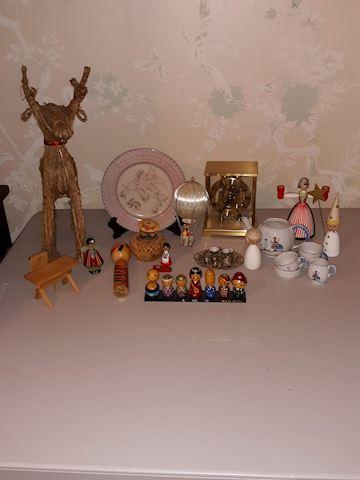"SR  354  ""Assorted Souvenirs"""