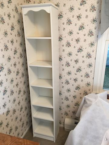 White Bookcase with Six Shelves