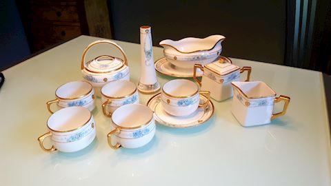 423011 Antique Dish Set