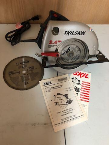 Skill 2.4 HP Circular Saw with manual