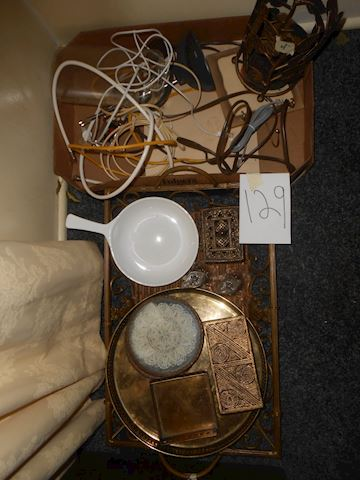 Lot 129 Pyrex, etc