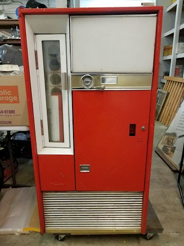 Coke Machine - Vendo V63