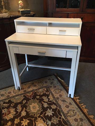 Expandable Desk