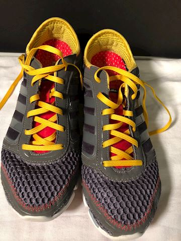 Pre-owned Adidas grey/yellow sneakers 9.5