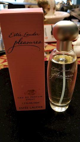 "Estee Lauder ""pleasures"""
