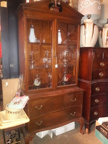 Antique China Cabinet/Hutch