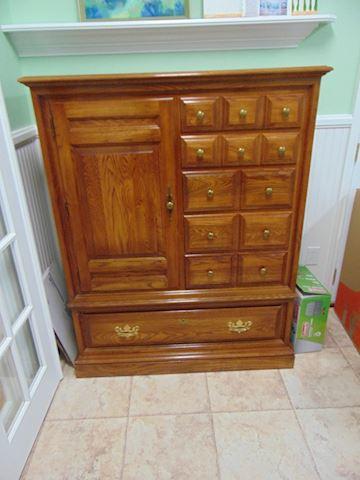 Oak Man's Dresser