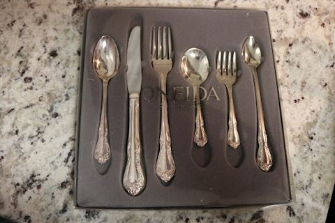 Oneida Children's Silverplate Set