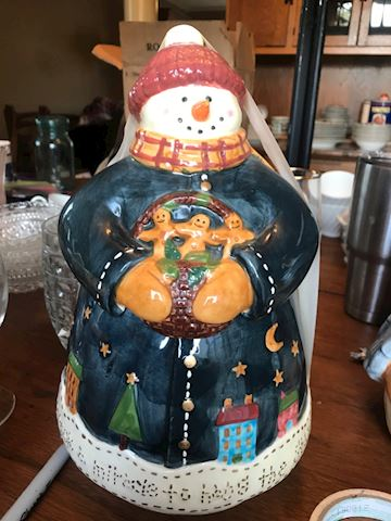 deb strain snow man cookie jar