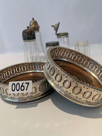 Lot 0067 Antique Silver salt &pepper shakers