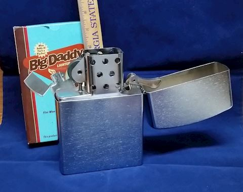 "7"" Big Daddy Jum Bow Zippo Style Lighter"