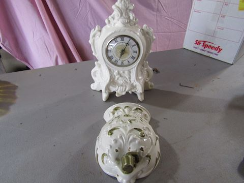 CLOCK AND WALL DECORATOR ITEM