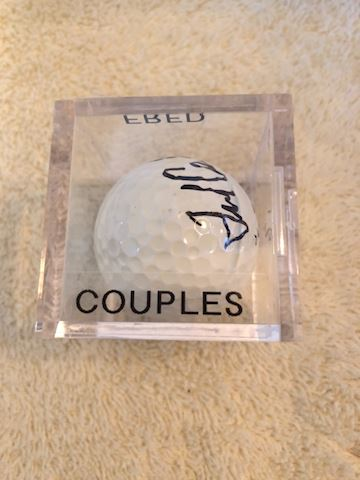 Autographed golf ball Fred Couples