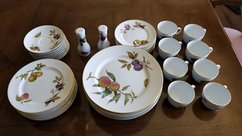 Royal Worcester Evesham fine china set