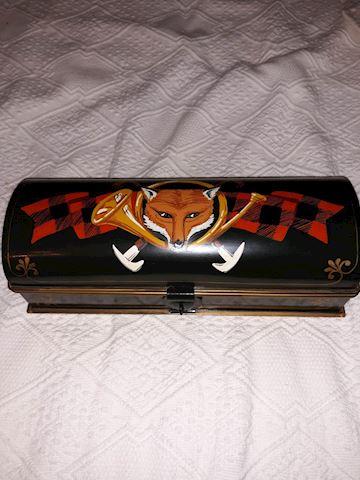 BD  116  Wolf Metal Box
