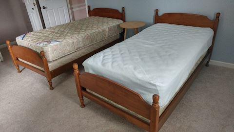 2 Twin Beds Oak Frames