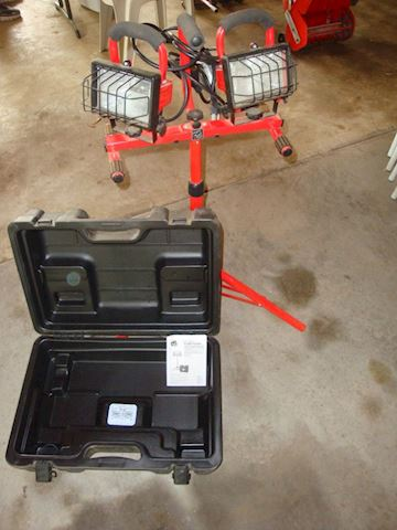 Commercial Elec Twin head lights & case Lot # 57