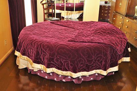 Round King Size Bed/Lounge & Custom Bedding