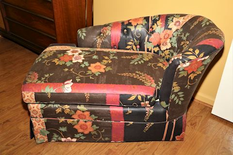 Right Arm Chaise Lounge (1 of 2)