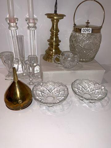 Lot 0090 Antique Liquor items