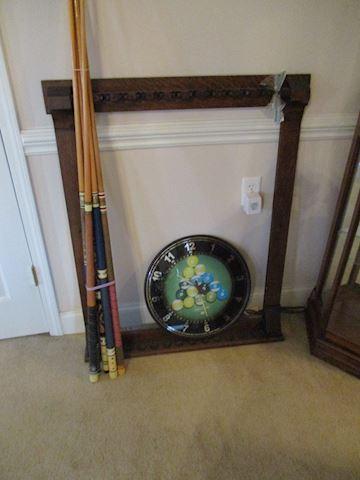 Billiards caddy and billiards clock
