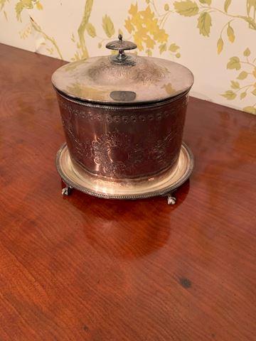 LIV. 102.   Biscuit Barrel Warmer