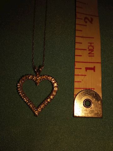 10k necklace and heart pendant