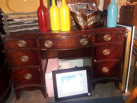 Drexel Travis Court Vanity/desk as is