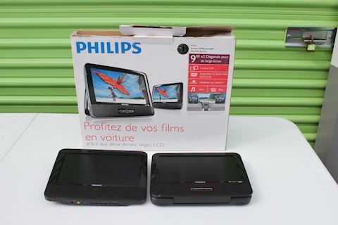 Philips PD9012/37 LCD Portable DVD Player