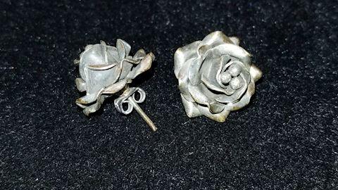 Sterling rose bud earings