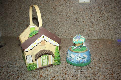 Decoration Basket and Music Box (Mom)