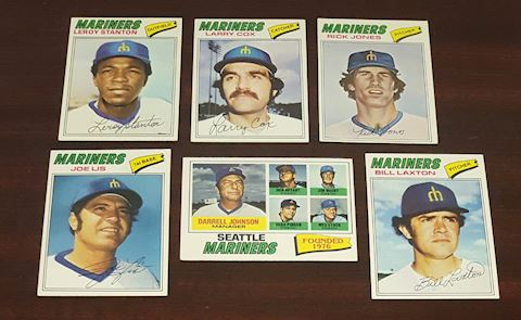 Collection of 6-1977 Mariners Baseball Cards