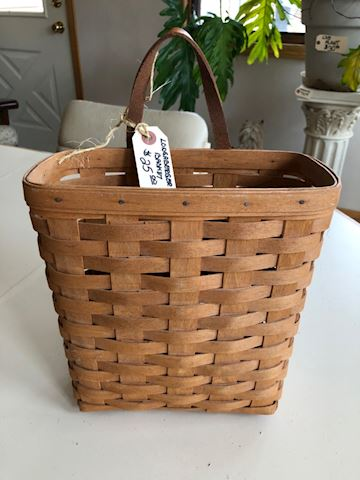 Longaberger basket - magazine size with handle