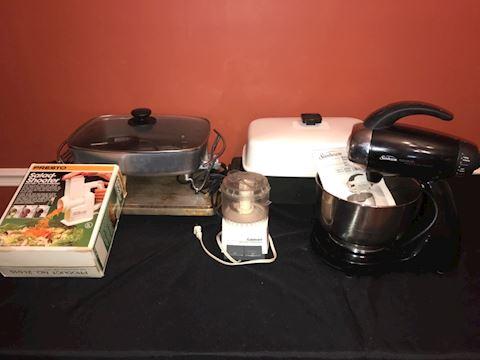 Small appliances, Sunbeam mixer, griddle PLUS