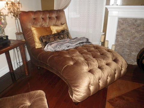 Chaise Tufted Lounge/Sofa