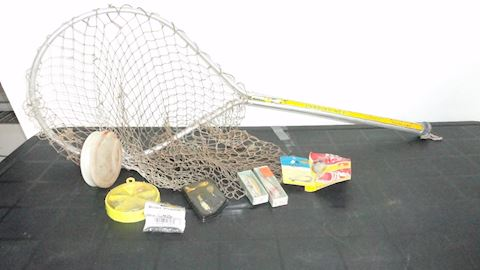 Landing Net variety of fishing tackle Lot #110