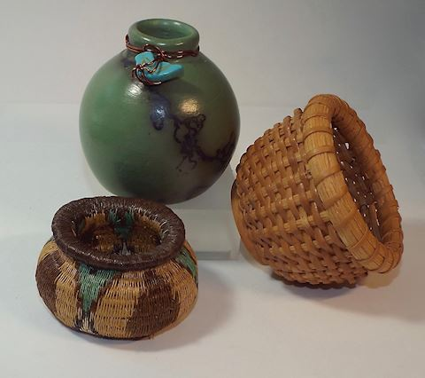 Horse Hair Vase w Turquoise Fetish & Mini Baskets