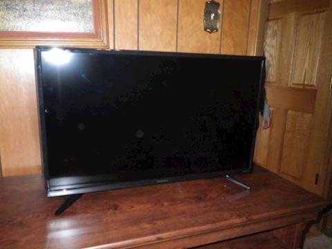 "32"" Insignia Smart TV"