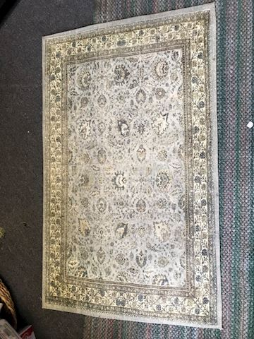 Beautiful accent rug