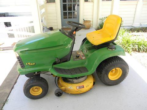 John Deere LT160 Automatic lawn mower