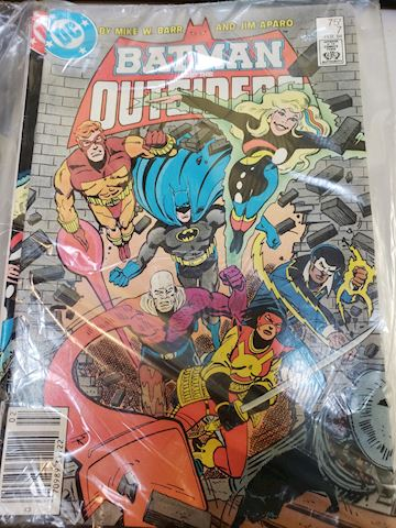 Batman and the Outsiders 7-11 sealed