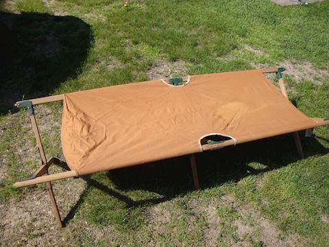 camp cot & wood trellis Lot #129