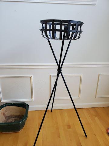 3-legged wrought iron raised plant stand