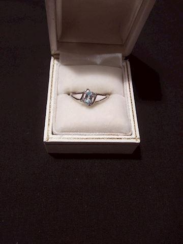 10k White Gold Topaz Ring