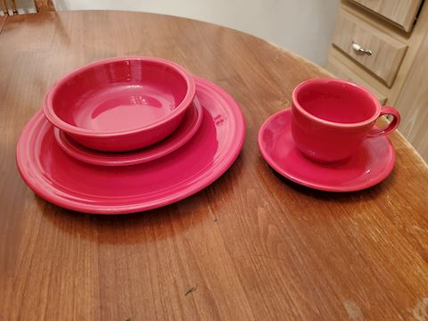 Red Fiesta ware 5 piece place setting