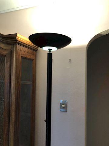 Black modern floor lamp, dimmable